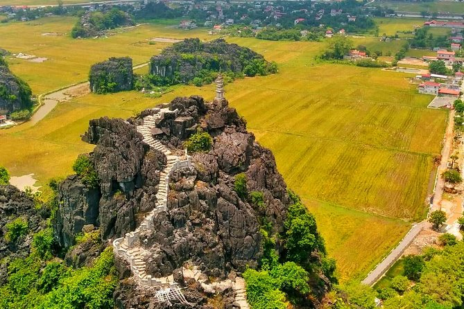Small group - Luxury day tour to Hoa Lu ancient capital - Mua Cave - Tam Coc