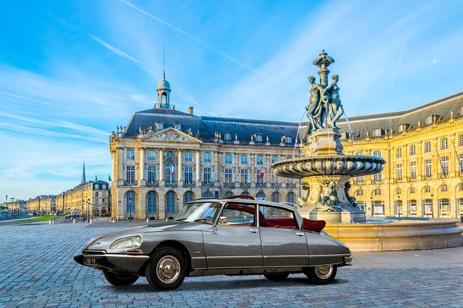 Private guided tour of Bordeaux in a luxurious Citroen DS - 1 hour