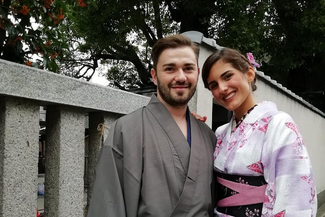 Get you dressed in Kimono and taste sake and go to the photo spot. photo 8