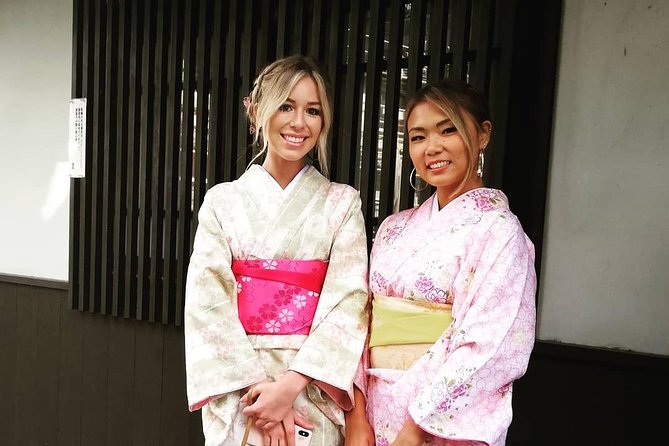 Get you dressed in Kimono and taste sake and go to the photo spot. photo 4