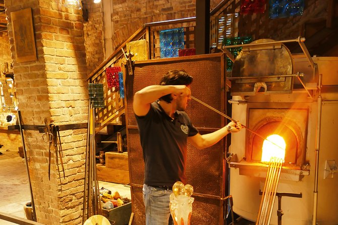 Murano Island: The Glassblowing experience - Boat tour