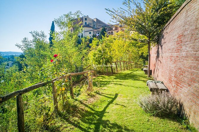 Guided Tour in San Miniato and the Carbonai Alleys