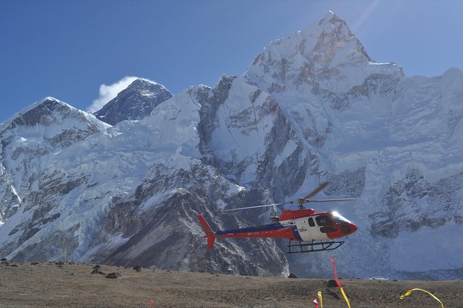 Everest - Heli Tour with Landing at Kalapathhar photo 8