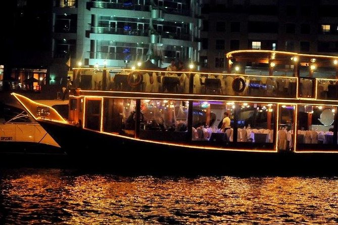 Dubai Marina Cruise With Buffet Dinner