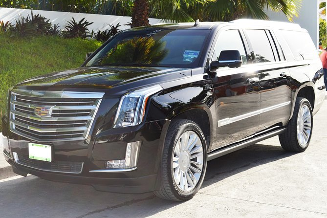 Private Departure Luxury Transfer Hotels to: Antigua International Airport (1 -3)