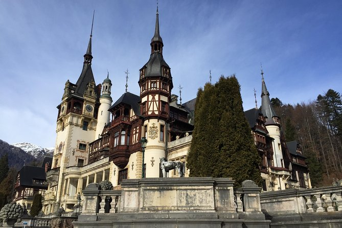 Private Day Trip to Peles Castle, Dracula's Castle and Brasov