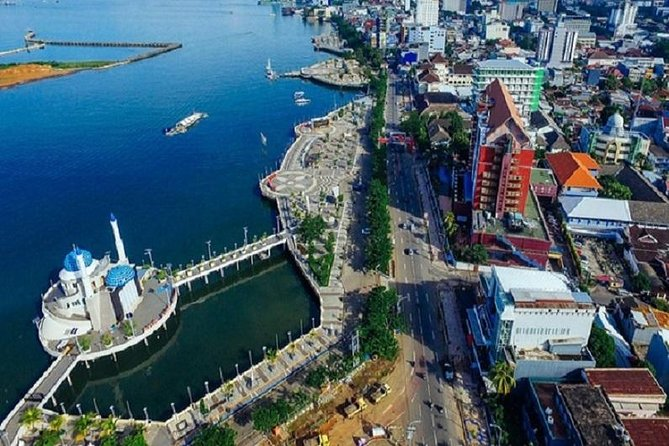 Makassar Private Customized Full-Day Tour with English Speaking Driver
