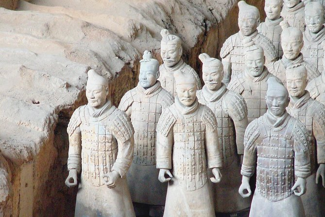 Private Xian Day Tour to Terracotta Army, Banpo Museum & Muslim Quarter
