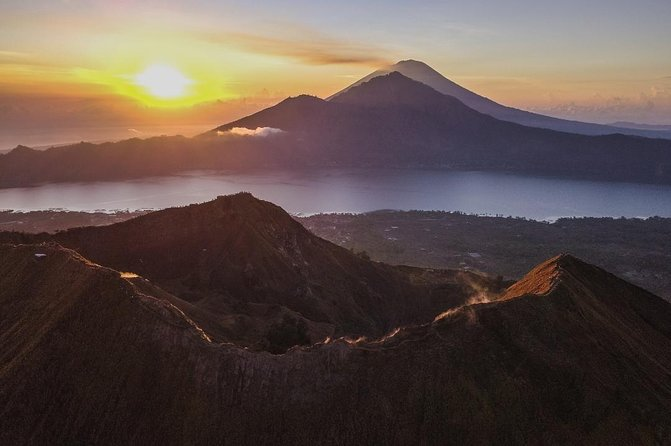 Batur Sunrise Trekking & Hot Spring Tour by En-Dag