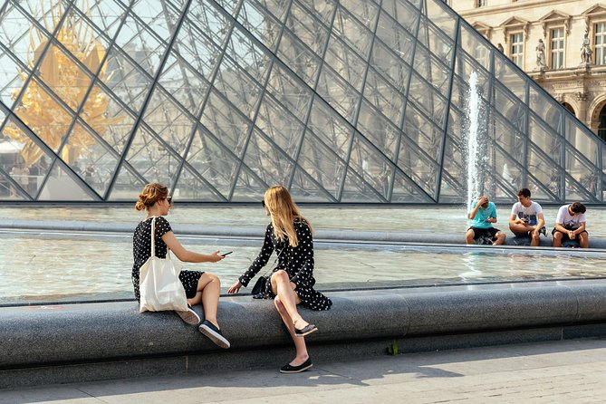 Skip the Line Private Experience of the Louvre with a Local Private Guide photo 1