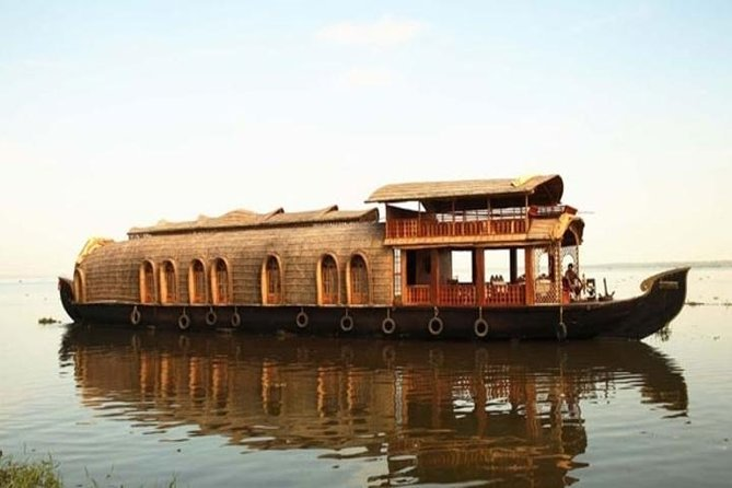 Alleppey Backwater Cruise With English Speaking Driver