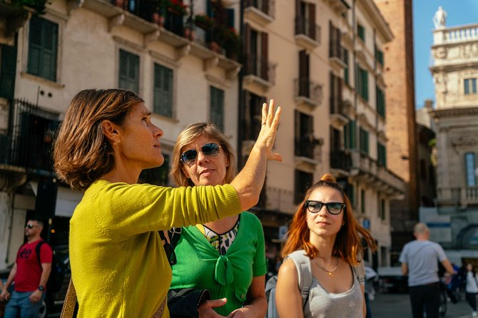Withlocals Highlights & Hidden Gems™: Best of Verona PRIVATE Tour
