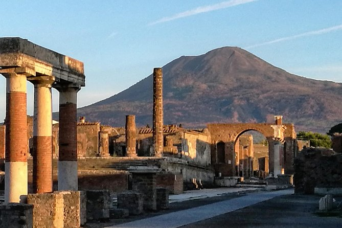 Tours in Pompeii Visit the ruins guided by an Archeologist photo 8