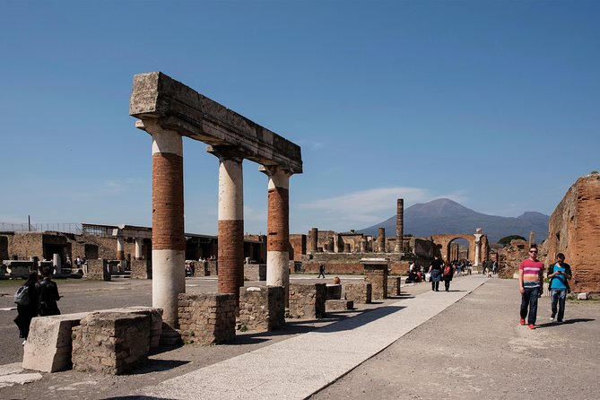 Pompeii excavations: skip-the-line private tour