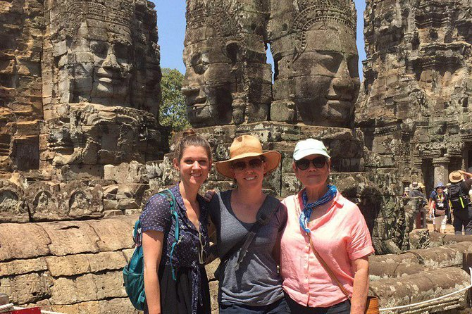 Angkor Wat Tour by Car and Expert Tour Guide photo 4
