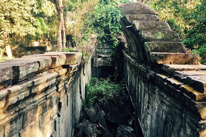 Angkor Wat Tour by Car and Expert Tour Guide photo 6