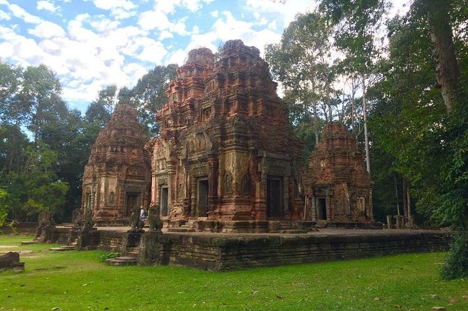Sunrise Angkor Tour by Car and Expert Guide photo 2
