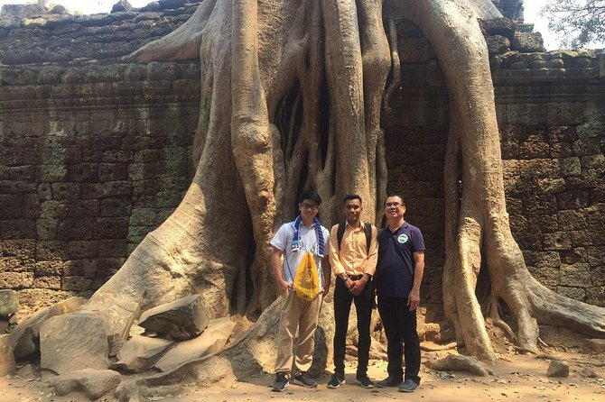 Sunrise Angkor Tour by Car and Expert Guide photo 11