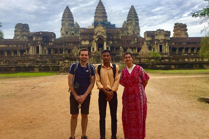 Sunrise Angkor Tour by Car and Expert Guide photo 4