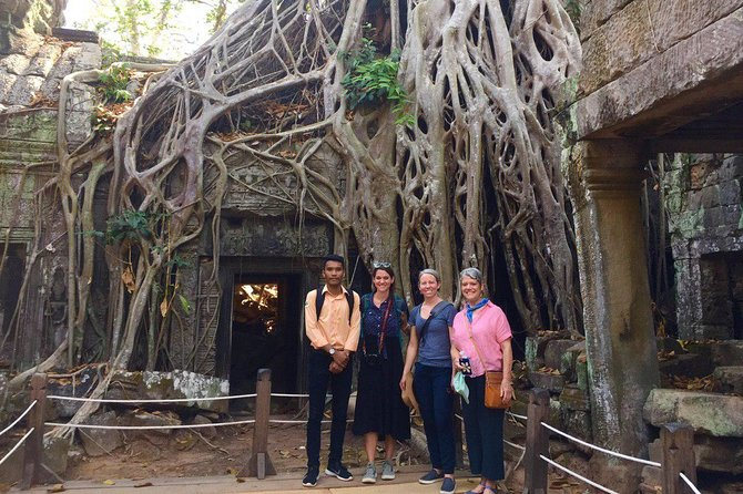Sunrise Angkor Tour by Car and Expert Guide photo 10