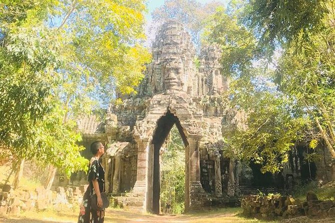 Angkor Wat Sunrise Small Group Tour from Siem Reap photo 4