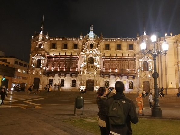 Lima by night with an expert guide!