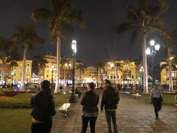 Lima by night with an expert guide! photo 3