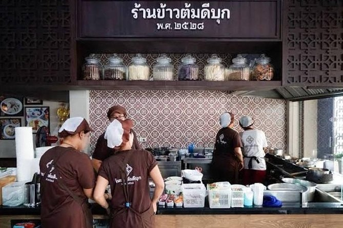 Phuket: Food Tour with Michelin Guides and Old Town Tour