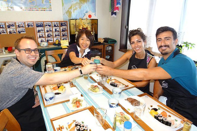 "Experience all of Japanese culture and Japanese food experience classes ""origami, udon, Japanese food, green tea, calligraphy"" in 4 hours"