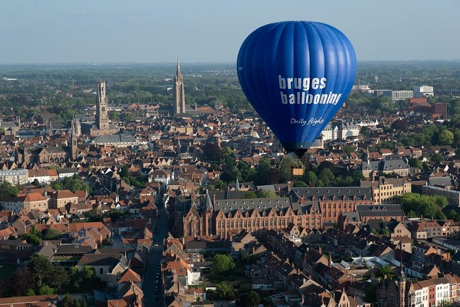 Private Balloon flight over Bruges for 2 persons exclusively.