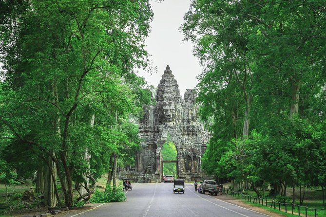 Angkor Wat Sunrise Small Group Tour from Siem Reap photo 6