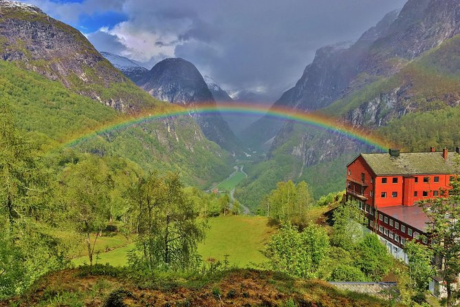 PRIVATE GUIDED TOUR: Highlights of Norway – Trip to the Sognefjord – SUMMER