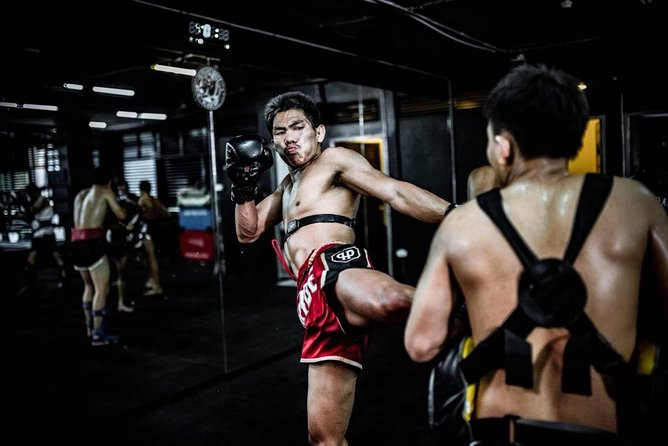 Experience Muaythai Fighter Life
