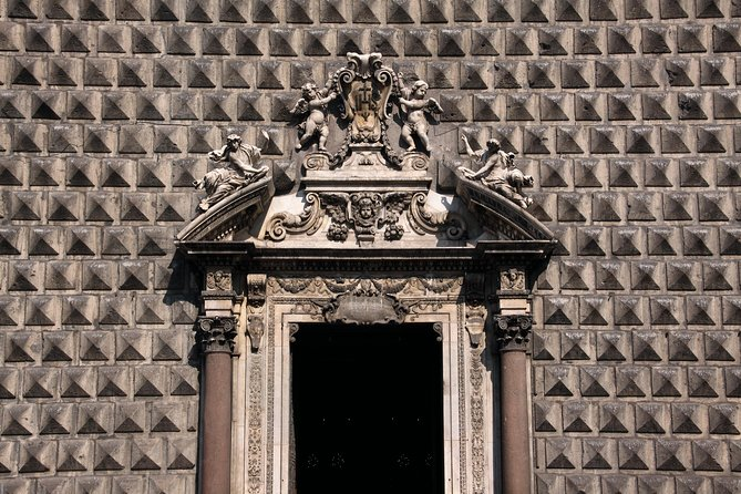 Discover the best of Naples walking tour