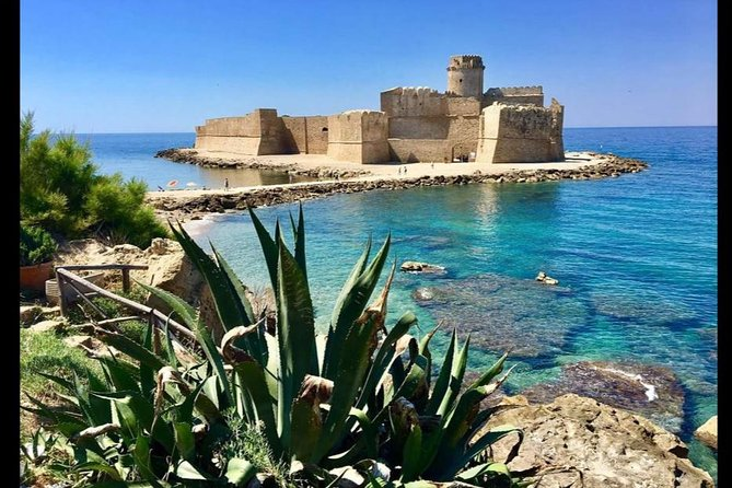 Le Castella & Capo Rizzuto: guided tour of the villages and journey by boat
