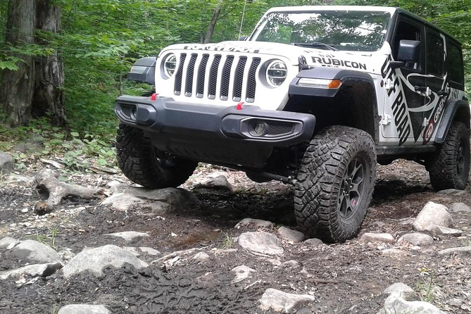 rent a jeep Rubicon and drive through Quebec's adrenaline rush muddy trails
