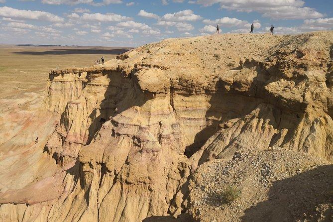 Majestic Gobi Desert with overnight in Terelj NP (incl. Chinggis Khan Statue)