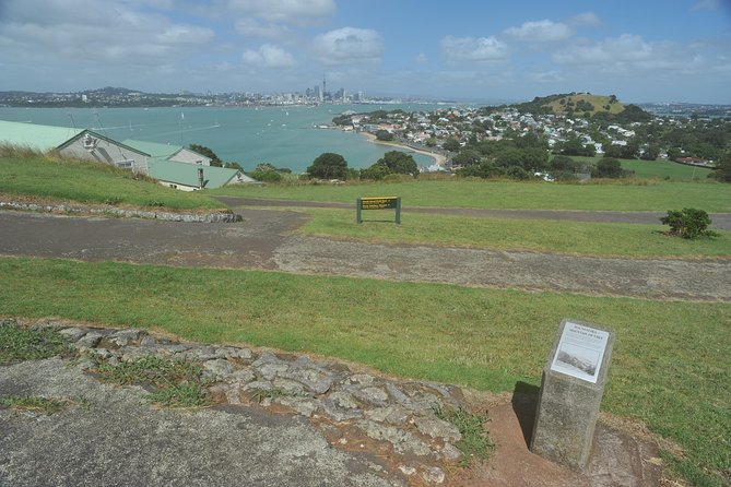 Half-Day Auckland North Head Guided Kayaking Tour photo 3