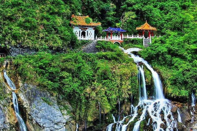 Taroko Gorge One Day Private Tour from Taipei by Train photo 6
