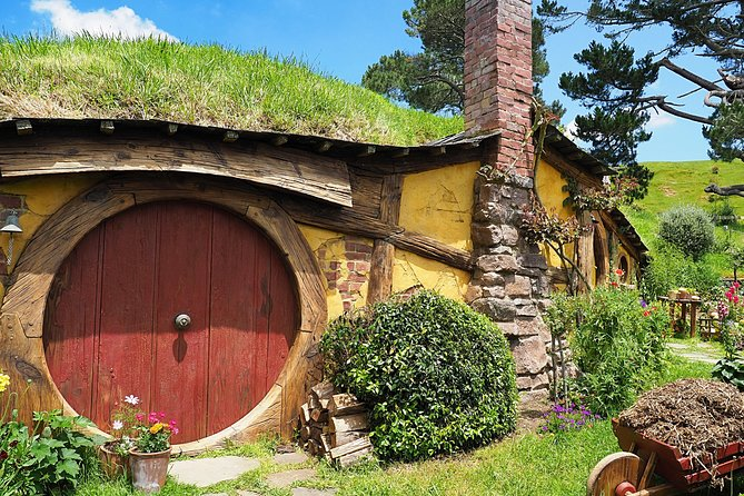 """Private Tour Of Lord Of Rings Movie Set """" Hobbiton """""""
