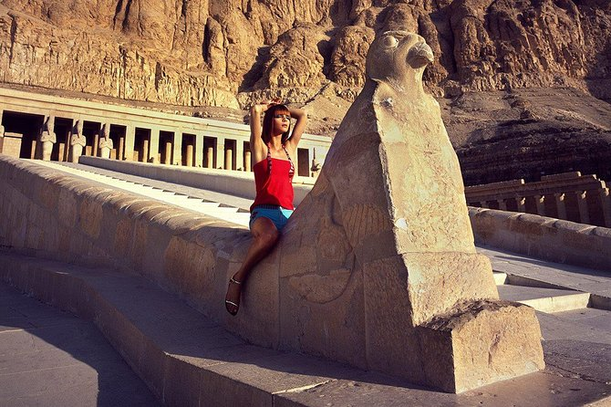 8 Hours Car Rent In Luxor To Visit East And West Banck