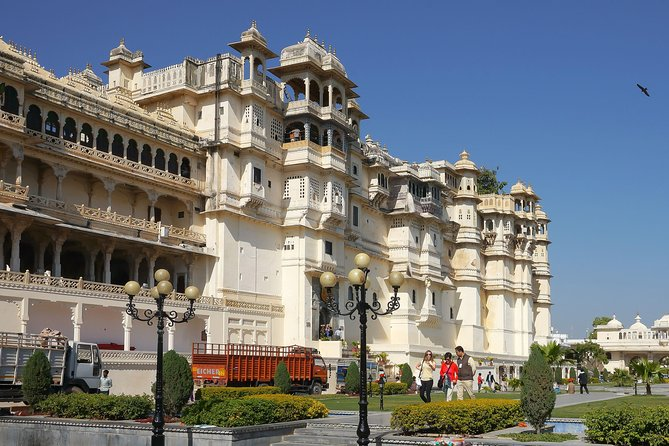 Udaipur Private Day Tour by Comfortable Car