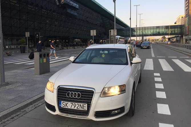 Airport Transfer from Krakow Center (Old Town or Kazimierz) to KRK Airport