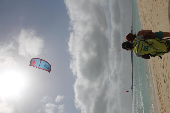 6h private kitesurf lesson