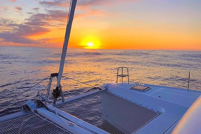 Sunset Catamaran by the Arch. FREE Food and Drinks