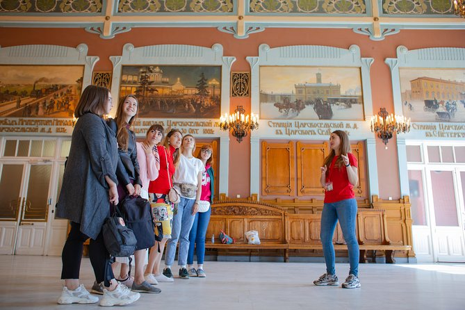 Lonely Planet Experiences: Hidden St Petersburg Evening Small Group Tour