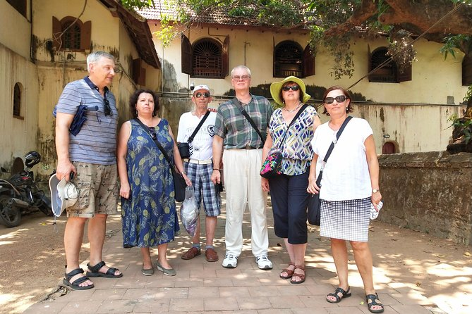 Kochi Shore excursion for cruise passengers with a local guide and Tuk Tuk ride