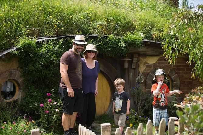 Private Small Group Tour for up to 7 guests -Hobbiton Movie Set & Waitimo Caves.
