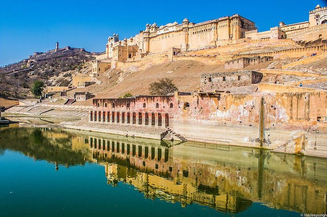 Glory of the pink city- Palaces Tour