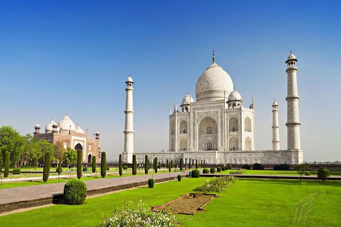 Overnight Agra Tour From Ahmedabad with Return Flights